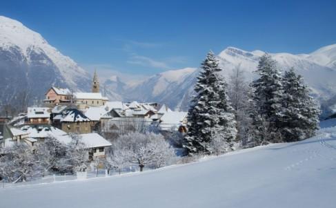 Mont de Lans Village